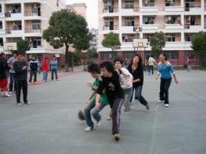 女生打篮球注意事项