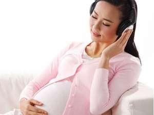 何时进行胎教