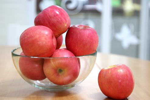 苹果虽好四种人千万不能吃它
