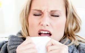 导致过敏性鼻炎出现的原因