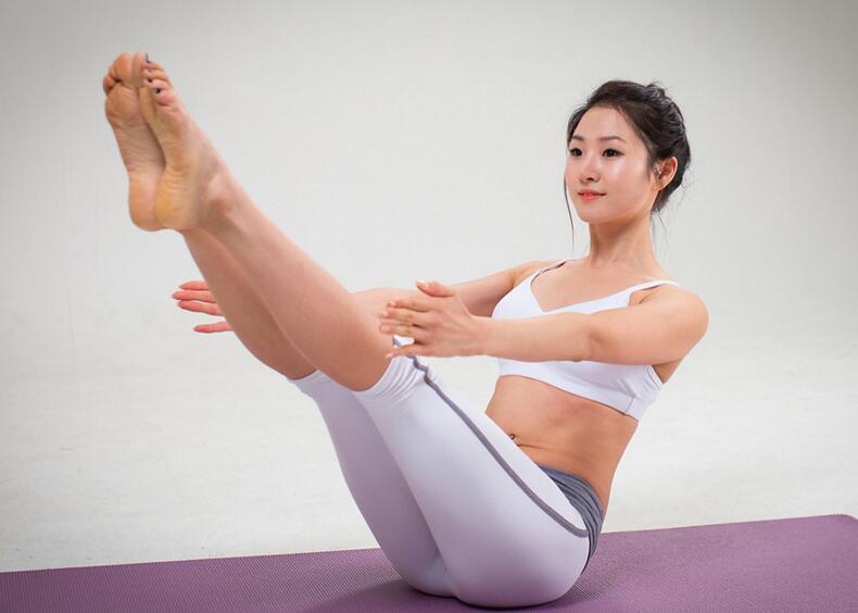 瘦腿瑜伽怎么做