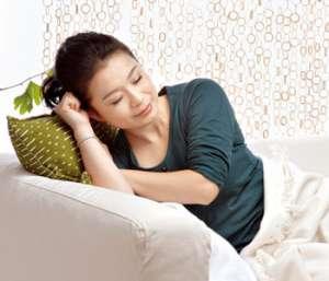 产后月经量少正常吗