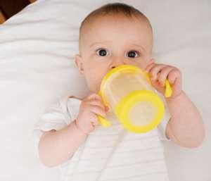 小儿秋季感冒要多喝水吗