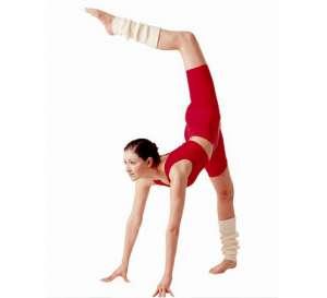 站立式瘦腰减肥瑜伽的动作