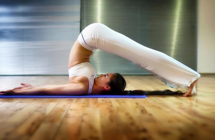 瑜伽和健身房哪个瘦身比较好