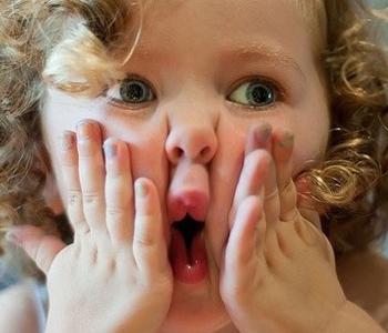 小儿患过敏性鼻炎的原因
