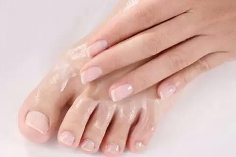 夏天预防脚臭的方法