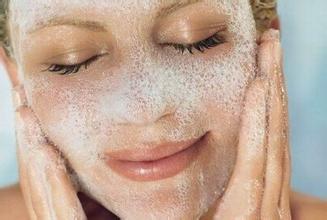 毛孔粗大的护理方法