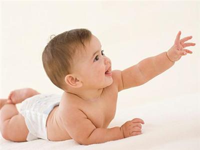 新生儿严重吐奶如何护理